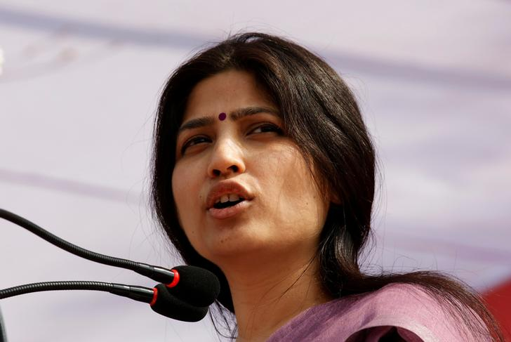 Dimple Yadav, wife of Samajwadi Party (SP) president and chief minister of the northern state of Uttar Pradesh Akhilesh Yadav, addresses an election campaign rally in Agra, India February 8, 2017. REUTERS/Pawan Kumar
