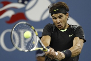 Rafael Nadal of Spain hits a return to compatriot Fernando Verdasco during the U.S. Open tennis tournament in New York, September 9, 2010. REUTERS/Kevin Lamarque