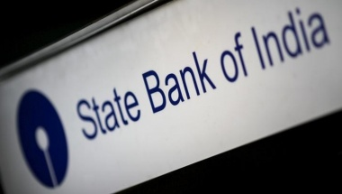 The State Bank of India logo is seen on an ATM in Singapore December 26, 2015. REUTERS/Thomas White