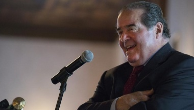 U.S. Supreme Court Justice Antonin Scalia speaks at an event sponsored by the Federalist Society at the New York Athletic Club in New York October 13, 2014. REUTERS/Darren Ornitz