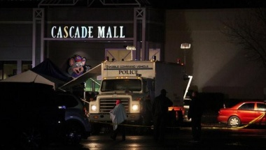 Authorities are pictured at the Cascade Mall following reports of an active shooter in Burlington, Washington, U.S. September 24, 2016. REUTERS/Matt Mills McKnight