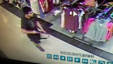 An image taken from security video shows the gunman who opened fire in the Cascade Mall in Burlington, Washington on Friday night, released by the Washington State Patrol, September 24, 2016. Washington State Patrol/Handout via REUTERS