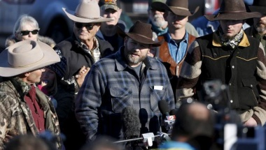 Leader of a group of armed protesters Ammon Bundy talks to the media at the Malheur National Wildlife Refuge near Burns, Oregon, January 8, 2016. REUTERS/Jim Urquhart/