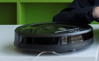Roomba vacuum maker betting big on 'smart' homes