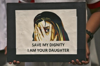 "Pakistan council orders ""revenge rape"" of teen girl"