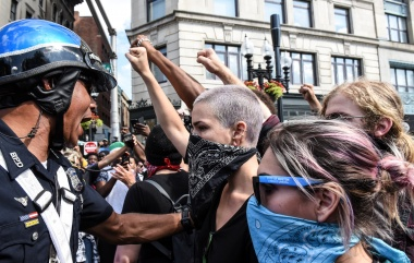 Counter protesters clash with Boston Police outside of the Boston Commons and the Boston Free Speech Rally in Boston, Massachusetts, U.S., August 19, 2017. REUTERS/Stephanie Keith