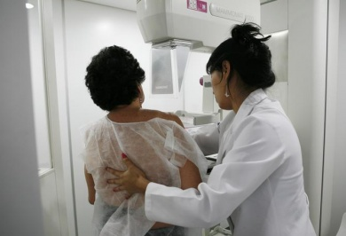 U.S. study revives argument over mammogram screening