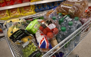 UK inflation at 5-1/2-year high in September, rate hike on track