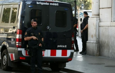 Police kill five suspects after van attack in Barcelona