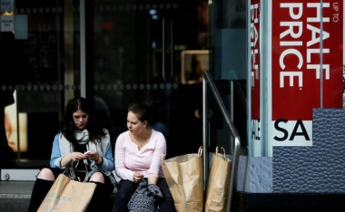 UK retail sales growth weakest in four years as inflation bites