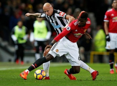 Pogba returns to lead United past Newcastle
