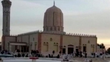Militants kill more than 230 at mosque in Egypt