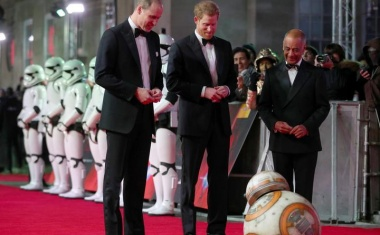 Princes join Jedi knights at 'Star Wars' premiere in London