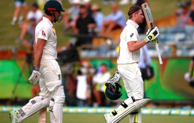 Smith holds firm as Australia rein in England