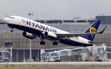 Ryanair investors faintly see higher-cost future
