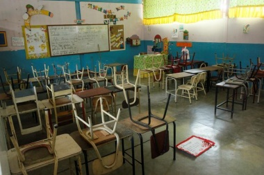 Venezuelan schools emptying as Chavez legacy under threat