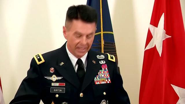 El mayor general Jefferson Burton de la Guardia Nacional de Utah y el gobernador de Utah, Gary Herbert, dijo que Brent Taylor, alcalde de North Ogden, fue asesinado el sábado en la capital afgana de Kabul en un aparente ataque interno.  Rough Cut (sin narración reportera).