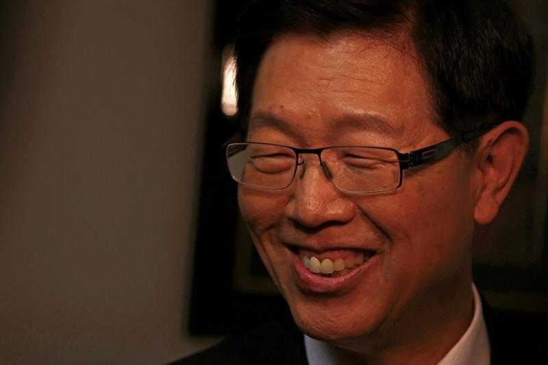 世界的な半導体不足、顧客への影響は限定的=台湾の鴻海会長