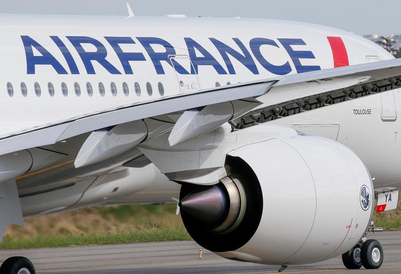 エールフランス、仏政府が40億ユーロ拠出へ 出資比率2倍超に