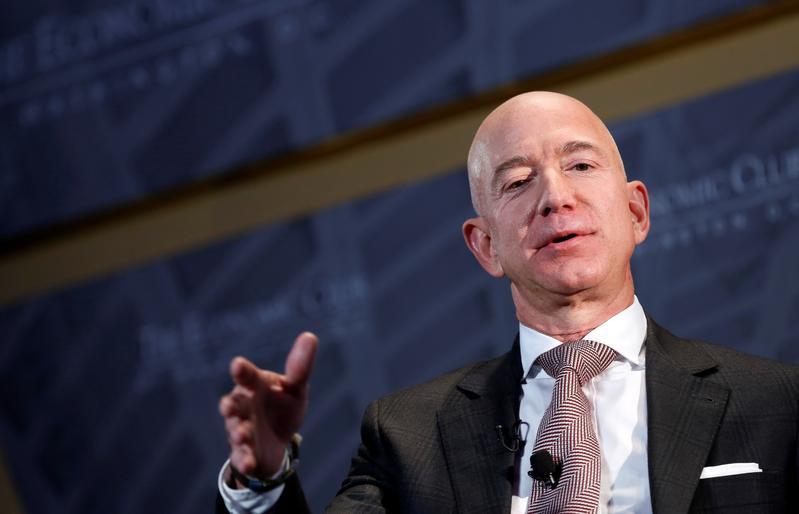 アマゾンのベゾスCEO、米法人税引き上げに支持表明