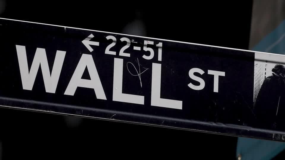 Wall Street rises as investors bet on earnings - Reuters.com