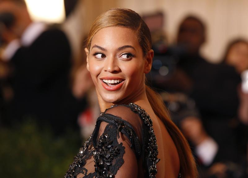 Burglars Steal  Million in Goods from Beyoncé's Storage Units in Los Angeles