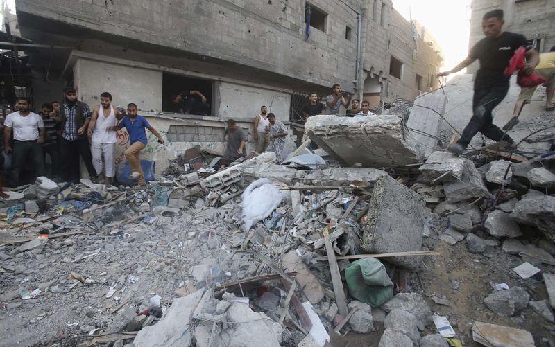 イスラエル軍が4日連続でガザ地区空爆、パレスチナ側に死者79人 | Reuters