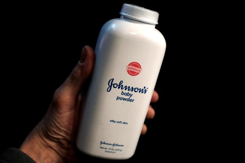 Evidence On Talc Cancer Risk Differs For Jurors Researchers Reuters