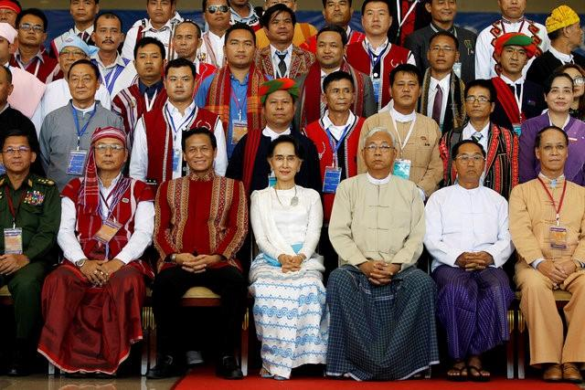 Myanmar's Suu Kyi kicks off peace conference with appeal for unity | Reuters