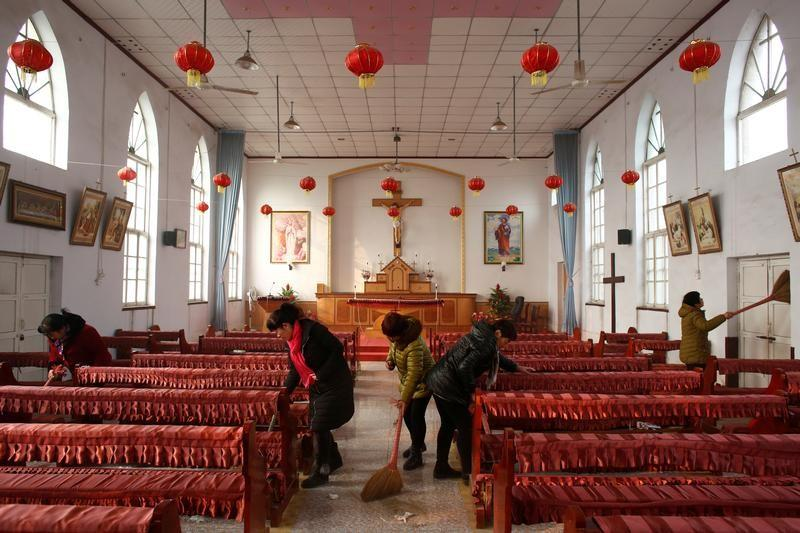 Pastors in China Forced to Add Communist Ideology to Bible Stories