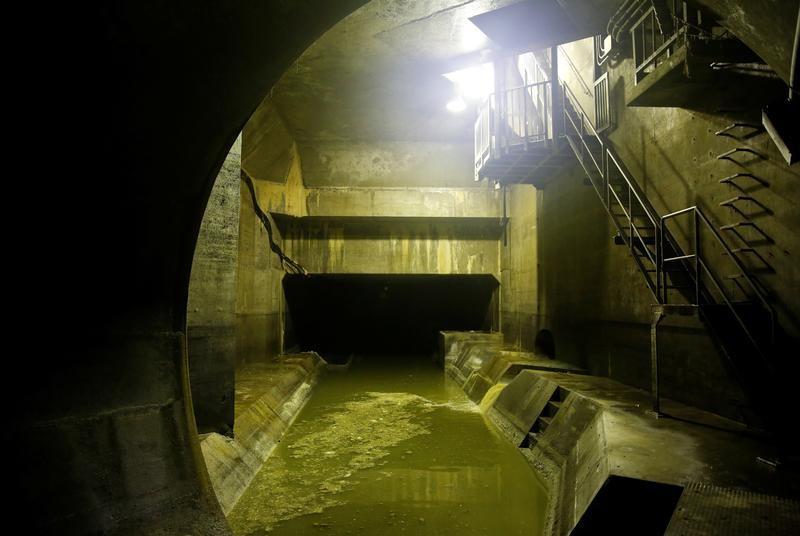 アングル:上下水道の民営化進まず、構造改革の難航浮き彫りに   Reuters