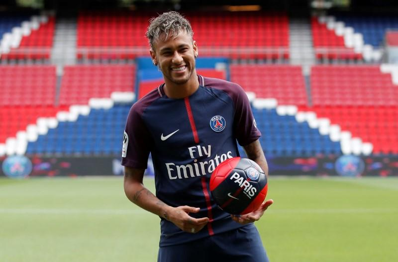Soccer Neymar Cleared To Make Psg Debut Reuters