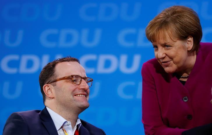 Spahn - Merkel soll volle Legislaturperiode absolvieren | Reuters