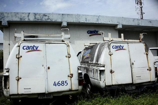 Foto de archivo. Camionetas de la Compañía Anónima Teléfonos de Venezuela (CANTV) en una de sus instalaciones en Barinas, Venezuela. 25 de septiembre de 2018. REUTERS/Carlos Eduardo Ramirez