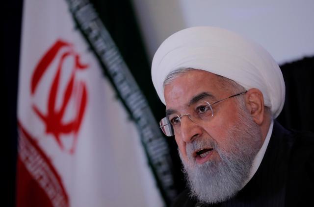 FOTO DE ARCHIVO: el presidente de Irán, Hassan Rouhani, habla en una conferencia de prensa al margen de la 73ª sesión de la Asamblea General de las Naciones Unidas en la sede de la ONU en Nueva York, EE. UU., 26 de septiembre de 2018. REUTERS / Brendan Mcdermid / Foto de archivo