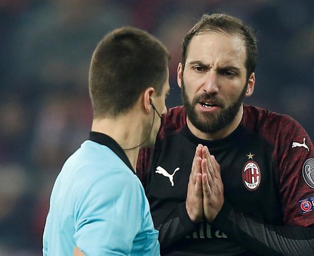 Higuain the latest victim of Milan No.9 shirt