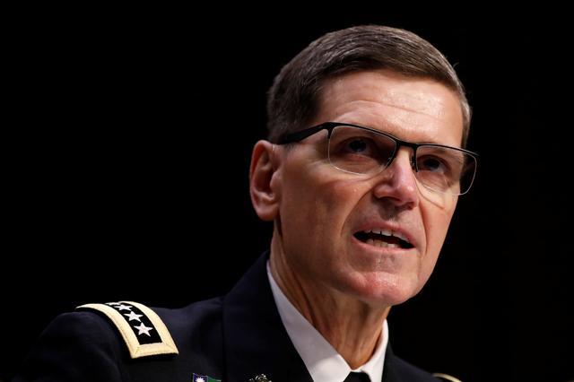 El general del ejército estadounidense Joseph Votel, comandante del Comando Central de los Estados Unidos, testifica ante el Comité de Servicios Armados del Senado en Capitol Hill en Washington, Estados Unidos, el 13 de marzo de 2018. REUTERS / Aaron P. Bernstein