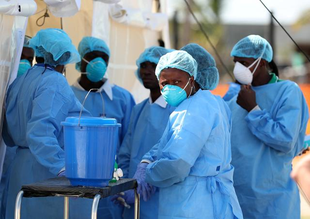 Medical staff wait to treat patients at a cholera centre set up in the aftermath of Cyclone Idai in Beira, Mozambique, March 29, 2019. REUTERS/Mike Hutchings