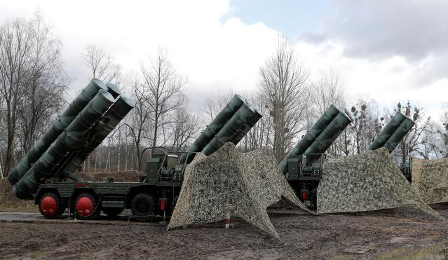FILE PHOTO: New S-400 Triumph surface-to-air missile system after its deployment at a military base outside the town of Gvardeysk near Kaliningrad, Russia.  Picture taken March 11, 2019. REUTERS/Vitaly Nevar/File Photo/File Photo