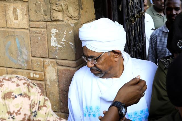 Sudan's ex-president Omar al-Bashir leaves the office of the anti-corruption prosecutor in Khartoum, Sudan, June 16, 2019. REUTERS/Umit Bektas