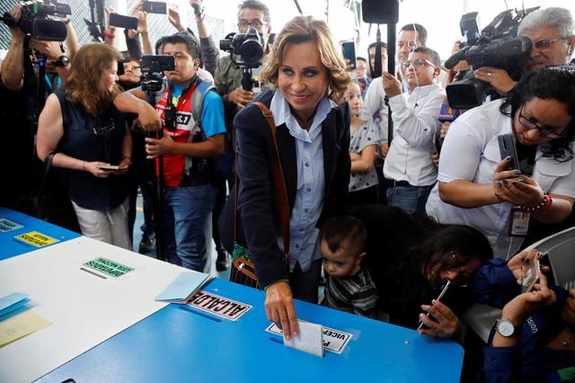 Sandra Torres, presidential candidate for the National Unity of Hope (UNE) casts her vote at a polling station during the first round of the presidential election in Guatemala City, Guatemala, June 16, 2019. REUTERS/Luis Echeverria