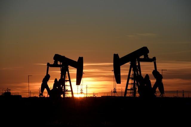 Sistema de bombeo opera en yacimiento petrolero en Midland, Texas, EEUU, 22 agosto 2018. REUTERS/Nick Oxford/Imagen de archivo