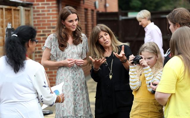 Britain's Catherine, Duchess of Cambridge and photographer Jillian Edelstein join a photography workshop with Action for Children in Kingston upon Thames, Britain, June 25, 2019. Chris Jackson/Pool via REUTERS