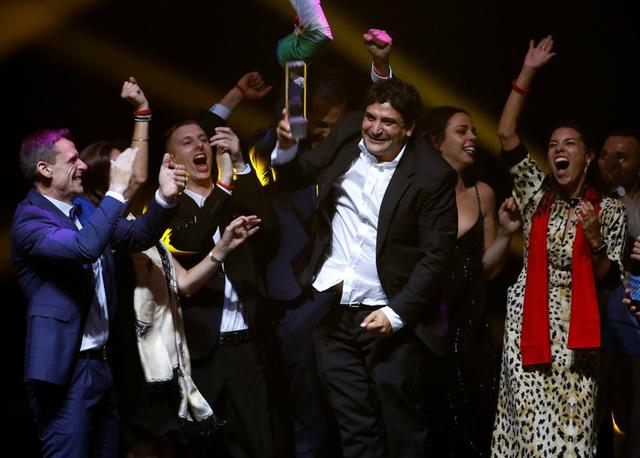 Chef-owner of Mirazur restaurant Mauro Colagreco and his team react after receiving the award for Best Restaurant during the World's 50 Best Restaurants Awards at the Marina Bay Sands in Singapore, June 25, 2019. REUTERS/Feline Lim