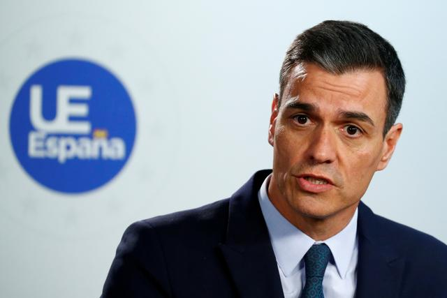FILE PHOTO: Spanish Prime Minister Pedro Sanchez speaks at a news conference after a European Union summit in Brussels, Belgium, June 21, 2019. REUTERS/Francois Lenoir