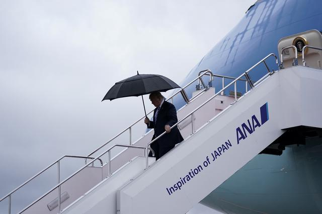U.S. President Donald Trump arrives aboard Air Force One at Osaka International Airport in Toyonaka, Osaka prefecture, Japan June 27, 2019. REUTERS/Kevin Lamarque