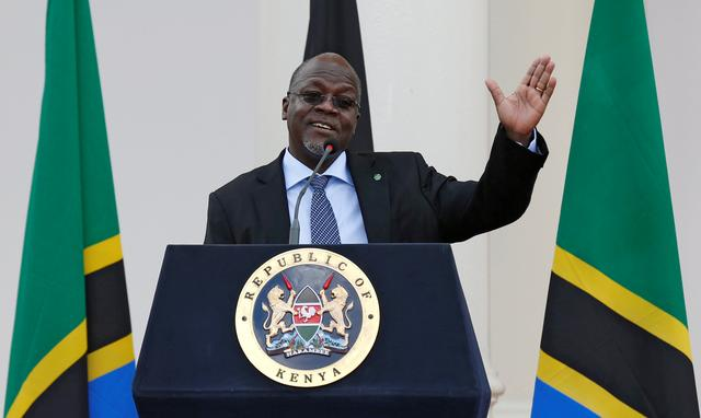 FILE PHOTO: Tanzania's President John Magufuli addresses a news conference during his official visit to Nairobi, Kenya October 31, 2016. REUTERS/Thomas Mukoya/File Photo