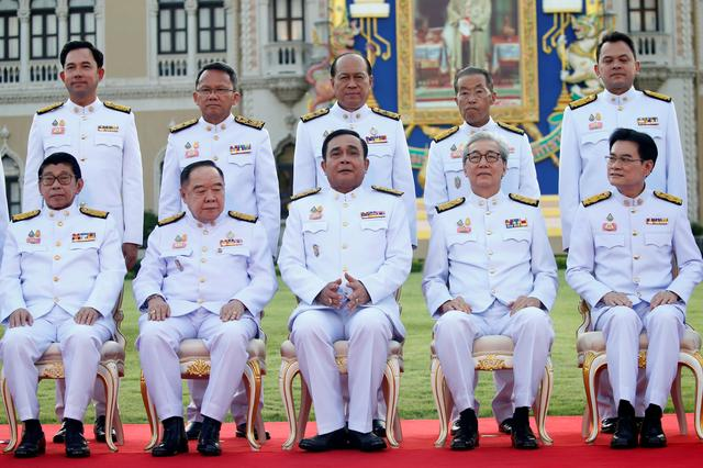 Thailand's Prime Minister Prayuth Chan-ocha and the new government cabinet pose for a photo in Bangkok, Thailand July 16, 2019. REUTERS/Soe Zeya Tun