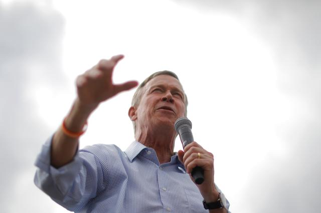 FILE PHOTO: Democratic 2020 U.S. presidential candidate former Colorado Governor John Hickenlooper speaks at the Iowa State Fair in Des Moines, Iowa, U.S., August 10, 2019.    REUTERS/Brian Snyder