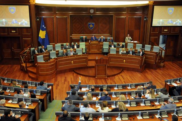 Kosovo lawmakers vote to dissolve parliament, paving way for a parliamentary election after Prime Minister Ramush Haradinaj resigned last month, in Pristina, Kosovo, August 22, 2019. REUTERS/Laura Hasani